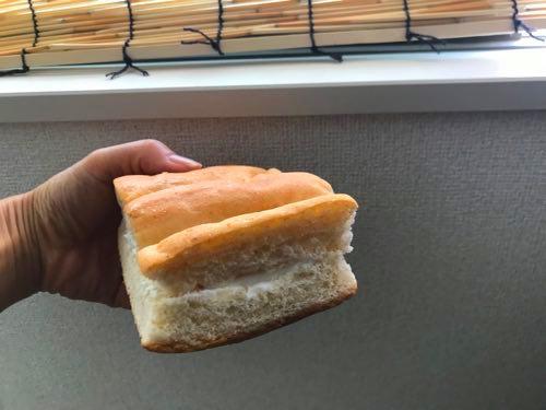 アガタベーカリー牛乳パン